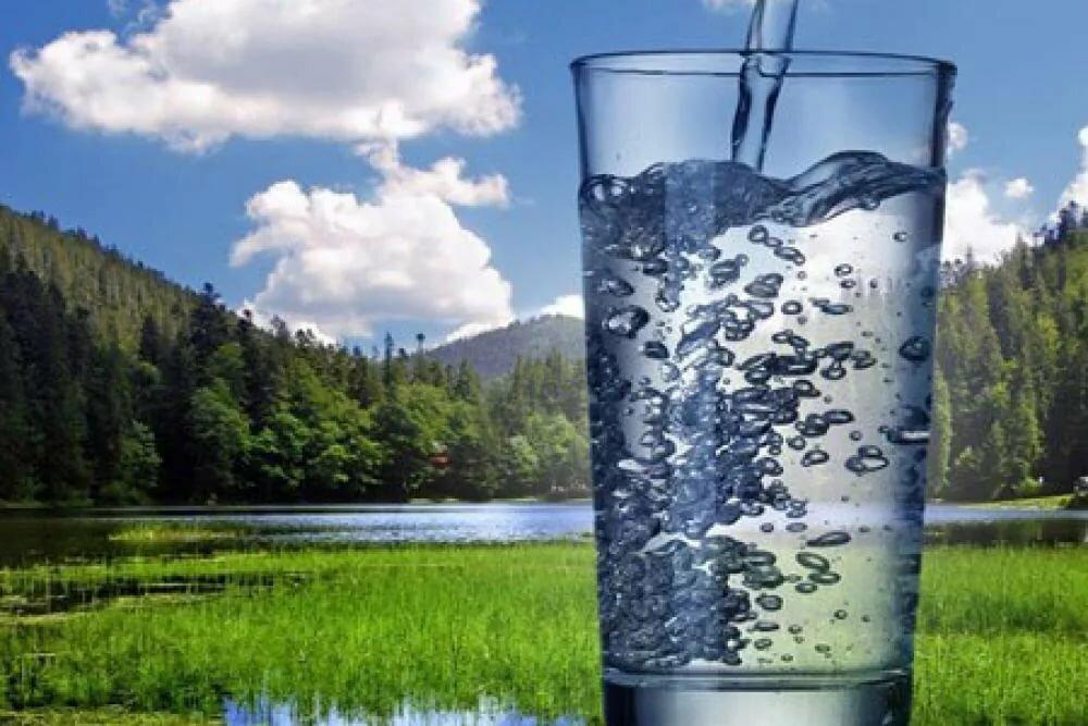 Питьевая вода с минералами: Какая польза?