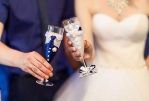 Бутилированная вода и кулер на свадебную вечеринку