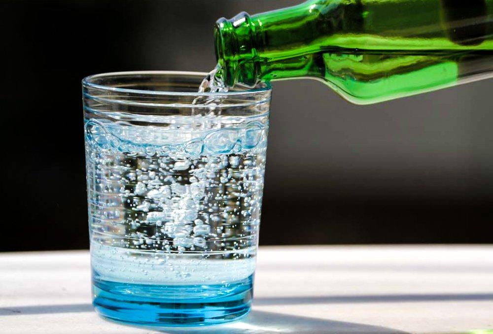 Минеральная вода – каковы ее лечебные свойства?
