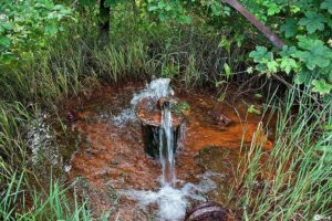 Как обезжелезить воду и сделать пригодной для питья