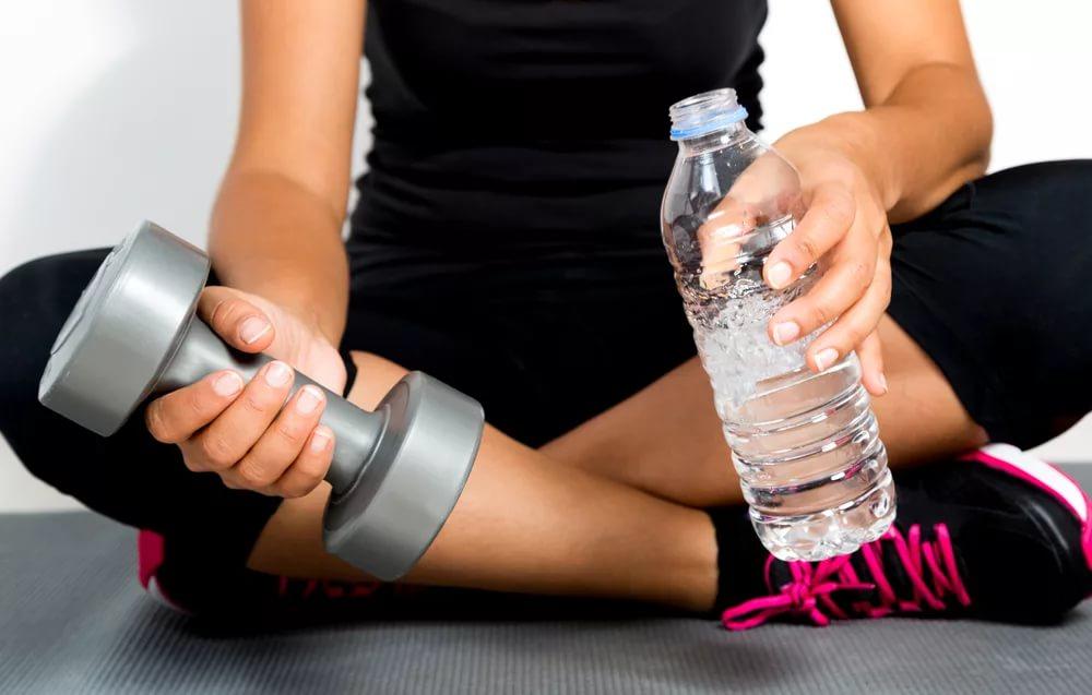 Вода на тренировках: вынужденная мера или обязательная часть?